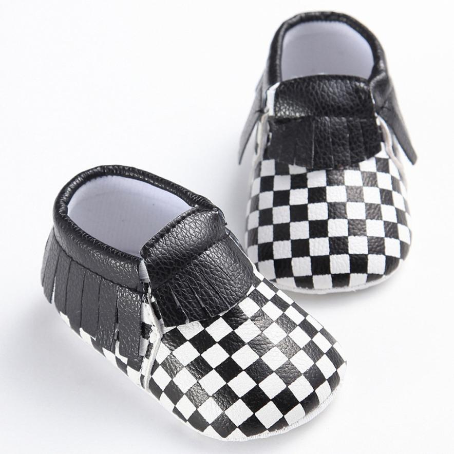Handmade Soft Bottom Fashion lattice Tassels Baby Moccasin Newborn Babies Shoes PU leather Prewalkers Boots 17Dec27