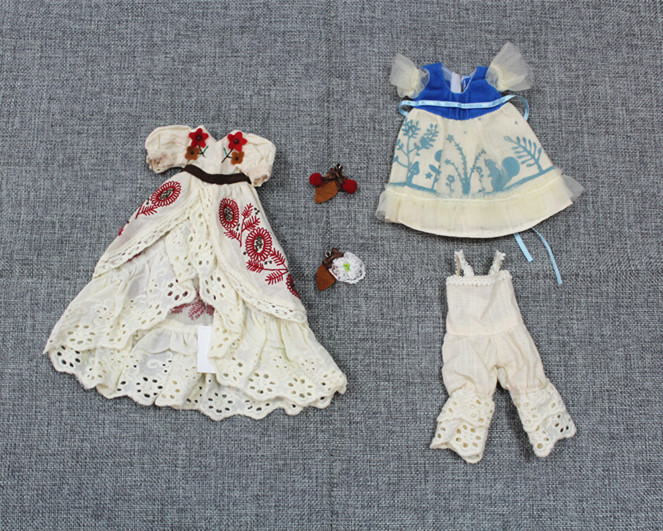 все цены на Blygirl Blyth dolls seventh anniversary suit, skirt two pieces, pants and two pairs of earrings