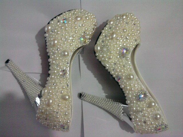 c5d321ef9 women luxury pears wedding shoes Ladies silver high heel beading crystal  pump