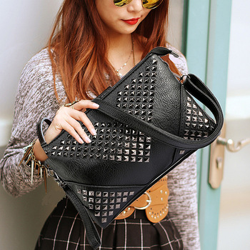 2017 women leather handbags studded shoulder bags female black crossbody bags for women Retro Rivet vintage purses and handbags