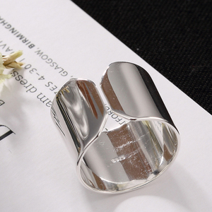 Image 3 - 2020 Hot Silver Color Simple Glossy Personality Fashion Wild Lady Open Ring For Man Woman Gift Wholesale