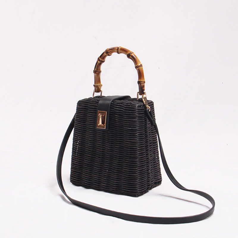 2019 INS New Fashion Rattan Bag Leather Hardware Buckle Straw Bags Portable Bamboo Woven Bag Diagonal Beach Holiday Beach Bag