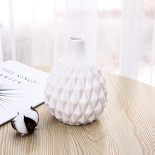Creative Ceramic Black And White Simple Vase Ornaments Home Living Room Decoration Nordic Style Angular Three-Dimensional Crafts