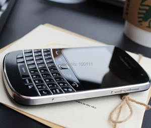 Blackberry 9900 Mobile-Phone Qwerty-Keyboard 8gb WCDMA 5mp Refurbished Without Camera-Version