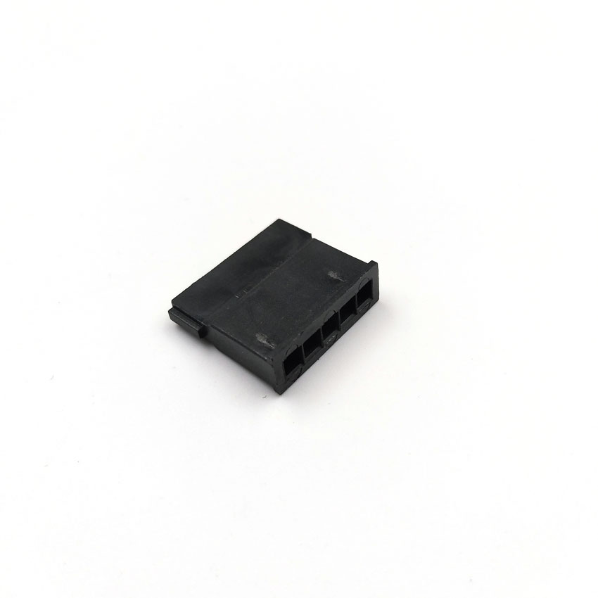 SATA_5Pin_female_connector_housing_4