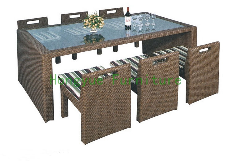 Outdoor new pe rattan dining room set with cushion and tempered glass new pe rattan dining chairs with tempered glass