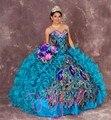 Delicado pavão bordados vestidos Quinceanera 2016 cristal Sweetheart 16 vestido azul dividir máscaras Debutante vestido de baile