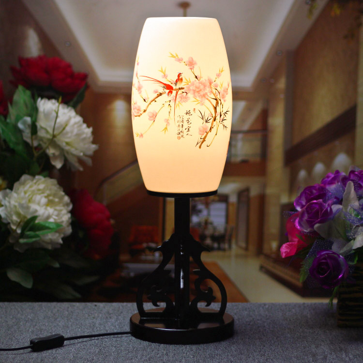 ФОТО LED E27 220v 110v Vintage Table Lamp Jingdezhen Egg-Shell Handpainted Ceramic Decoration Light Wood Wedding Gift