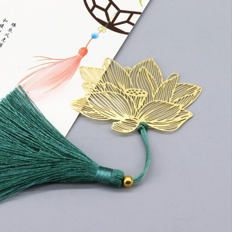 Vintage Chinese Style Gold Metal Hollow Lotus Tassel Bookmark Stationery Book Folder Office School Exquisite School Supplies
