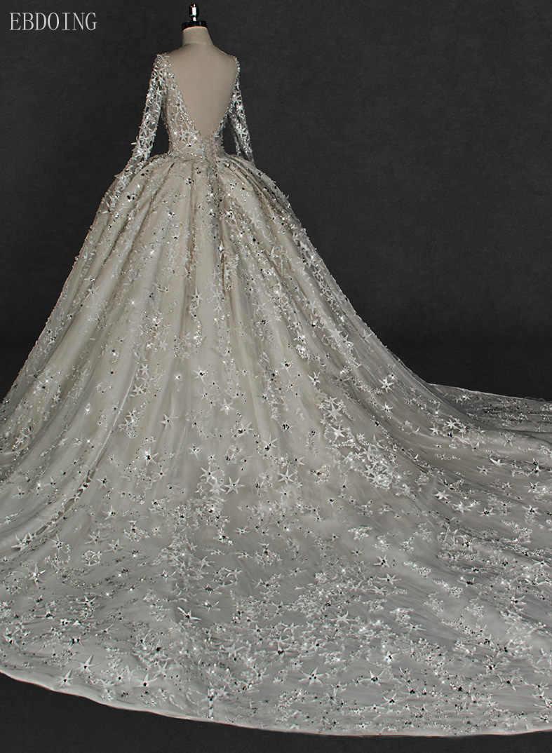 Incrível sem costas princesa vestido de baile vestido de casamento com decote em v capela de manga cheia trem com laço forma estrela frisado vestidos de novia
