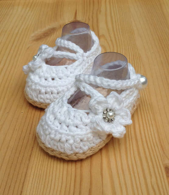08b30eb1dc402 US $7.5 |Crochet Baby Shoes,White Baby Shoes,Handmade Baby Wedding  Shoes,Baby Ballerina White Shoes,Newborn Booties size 0 12 months-in First  Walkers ...