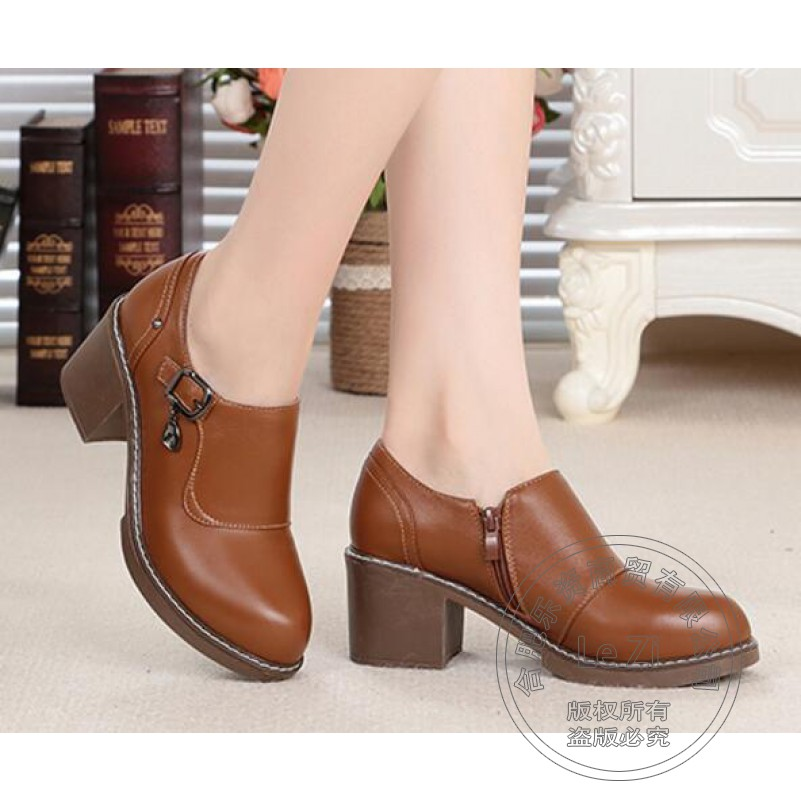 ФОТО Pure Color Buckle Vogue Pu Puppy Heel Designer Woman Shoes Light Mouth Leather Shoes Women Brand Shoes Woman Embossed Leather