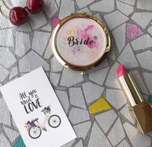 Free Shipping 4 pcs lot Unique Bachelorette Party Favors Bridesmaid Gifts Portable Mirrors Wedding Personalized Compact