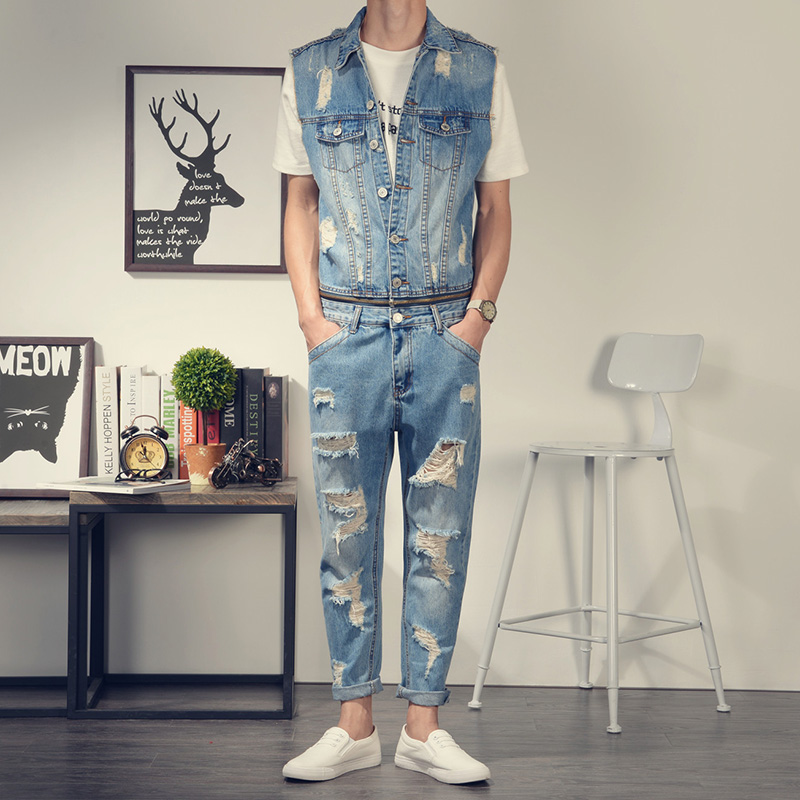 2017 New Men's denim overalls Men Casual Ankle-Length 9 pants Distressed jeans Jumpsuits for Men with Holes nine length pants denim overalls male suspenders front pockets men s ripped jeans casual hole blue bib jeans boyfriend jeans jumpsuit or04