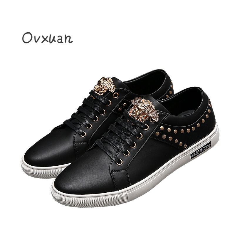 Italy fashion design Metal face buckle and Round Rivets Men Genuine Leather shoes men casual flats Party Wedding Men Loafers men loafers paint and rivet design simple eye catching is your good choice in party time wedding and party shoes men flats