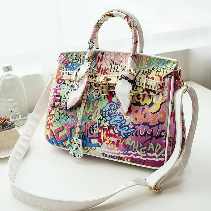 2016 Fashion Graffiti Printed High Quality PU leather Handbag Platinum Package Buckle handbag with Multicolored print Large bag luminous glow ignition switch decoration key ring sticker for skoda octavia fabia yeti vw passat bora polo golf 6 jetta mk5 mk6