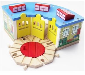 Image 2 - Tren garaj hava istasyonu ahşap parça ile uyumlu Brio ahşap tren rayı demiryolu aksesuarları oyuncaklar çocuklar için