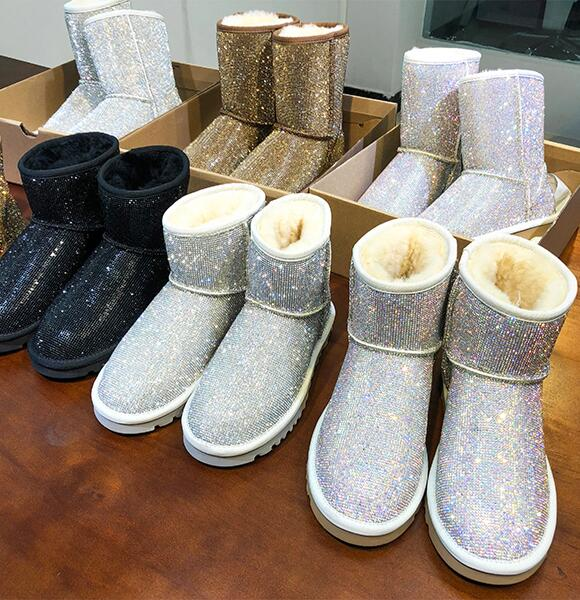 19 Winter New Short Boots Sheep Fur One Rhinestone Full Diamond Snow Boots Warm Waterproof Women's Shoes In The Boots Large Size