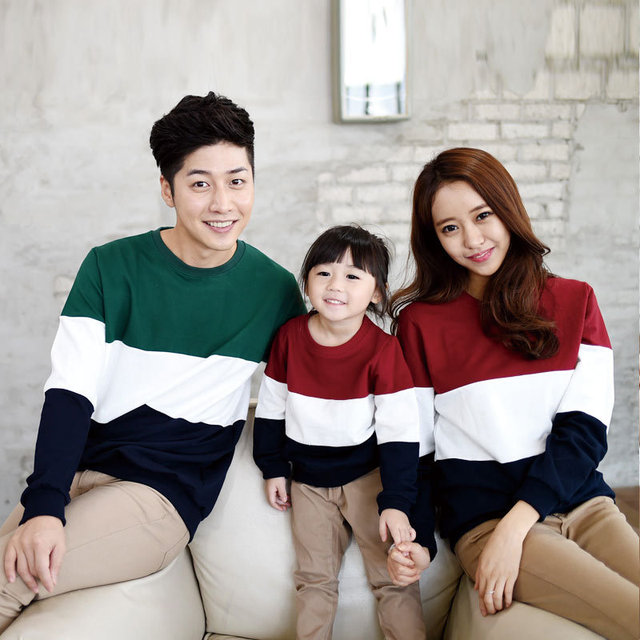 6bfa9ea2d0 2017 New Korean children spring long sleeve t-shirts family of three Dad  Mom Kids