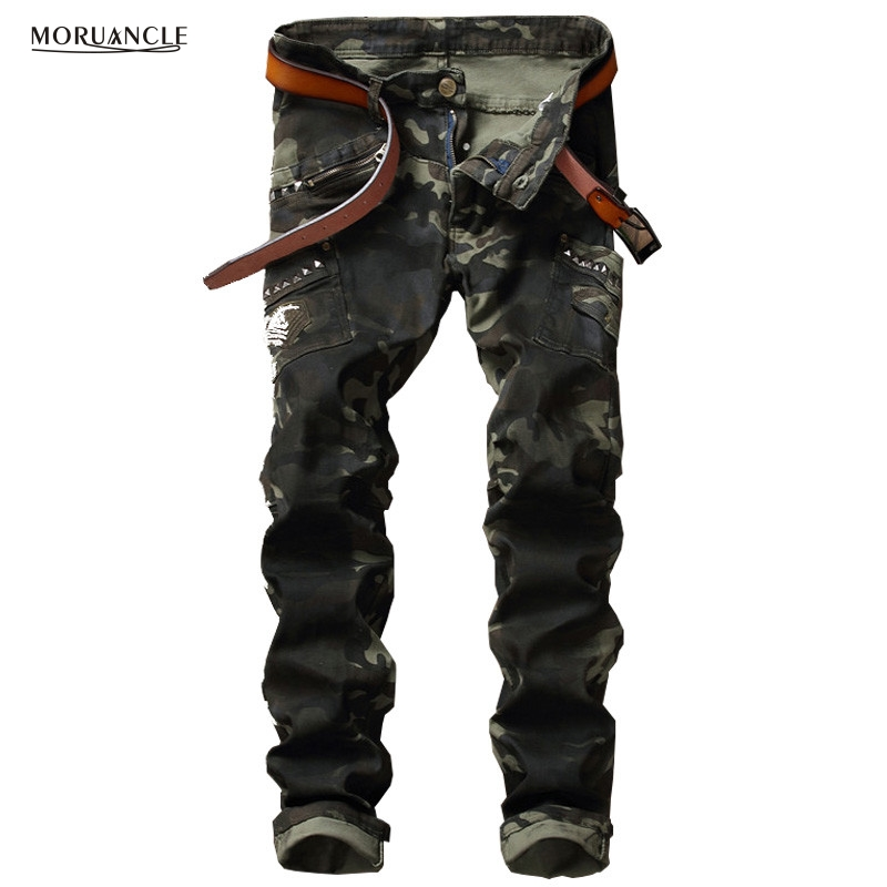 ФОТО MORUANCLE Brand Designer Men Camouflage Jeans Pants With Rivets Fashion Military Denim Joggers Multi Pockets Cargo Jean Trousers