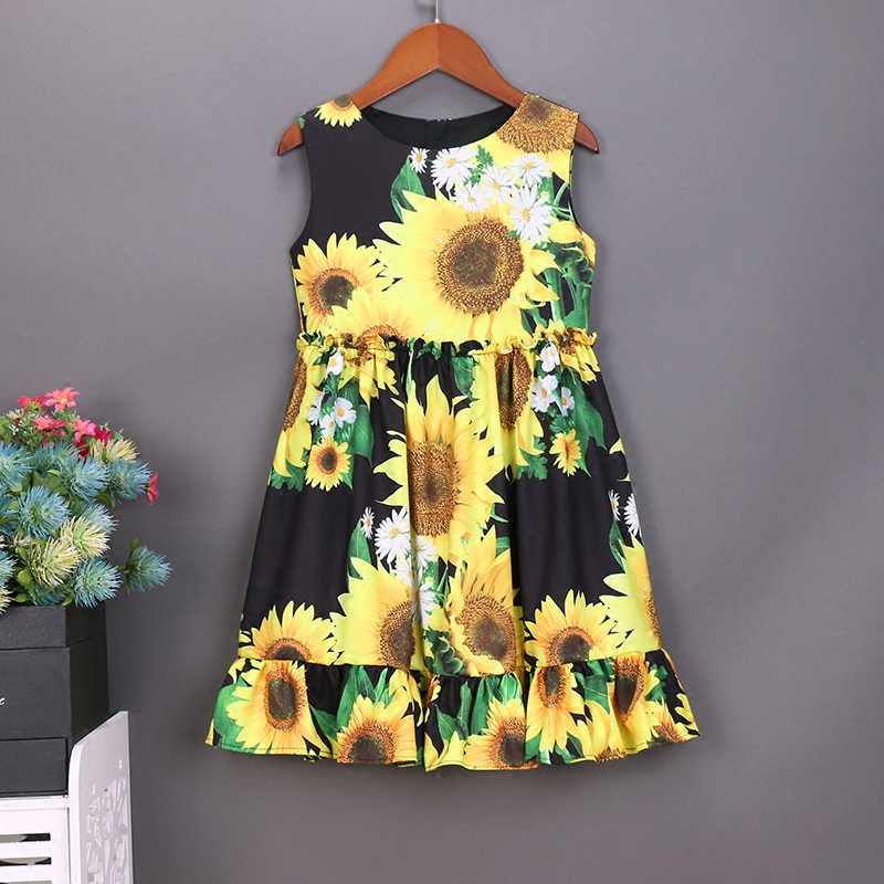 Summer women infant sunflower prints dress mom baby girls matching dress family look clothing mother and daughter beach dresses 2017 summer children clothes women girls family matching clothing family look mother bohemian beach daughter dresses lady dress