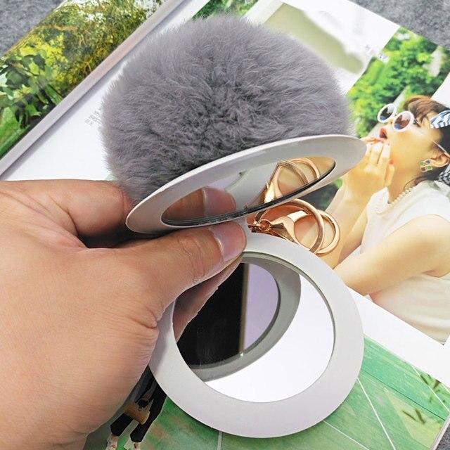 HOT Portátil Mini Espelho de Maquiagem Para Senhora Chaveiro Bola de Pele De Coelho Macio do Couro do PLUTÔNIO Saco Das Mulheres Chaveiro Espelhos Cosméticos