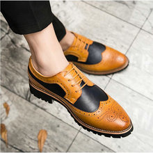 2019 New Men Luxury Dress Shoes Italian Men Brogue Wedding Lace Up Leather Formal Party Oxfords Pointed Toe Shoes LK-52