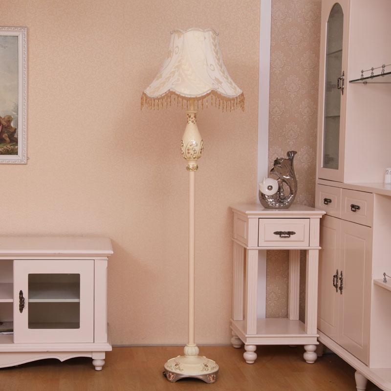 Qiseyuncai European floor lamp living room retro rural garden vertical table lamp creative study bedroom bedside lamp