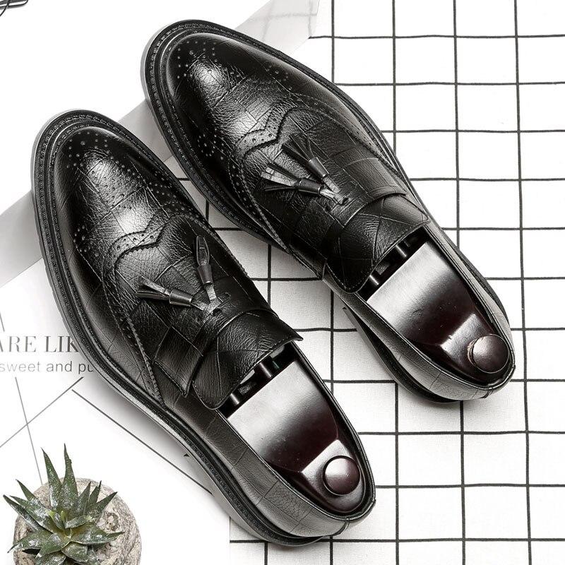 Elegant Office Shoes Men Italian Brand Tassels Mens Wedding Shoes Slip On Shoes Man Dress Loafers Fashion Luxury Flat Shoes B153