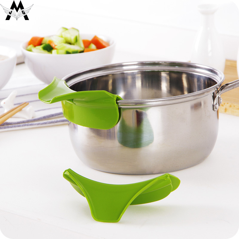 Home Anti-spill Silicone Slip On Pour Soup Spout Funnel for Pots Pans Bowls Jars Kitchen Gadget Tool Creative Funnel Tools