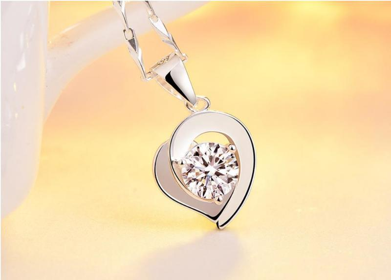 Everoyal Shiny Rhinestones Heart Pendant Necklace For Women Jewelry Fashion 925 Silver Girls Clavicle Necklace Accessories Lady in Pendant Necklaces from Jewelry Accessories