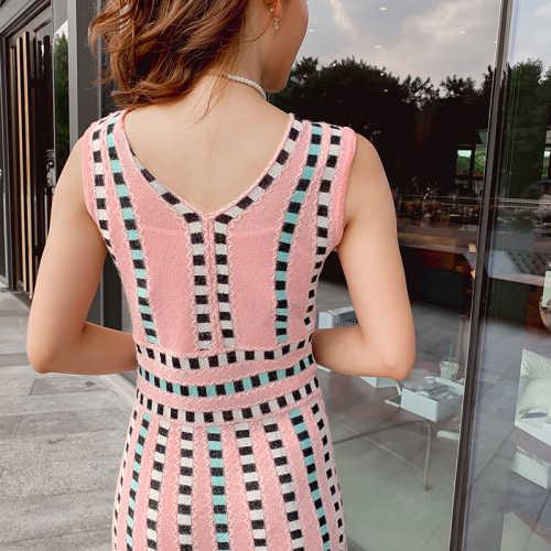 2019 מסלול קיץ קשת פסים סרוג שמלת נשים של שרוולים שיק בהיר משי חמוד אקארד שחור ורוד סוודר שמלה