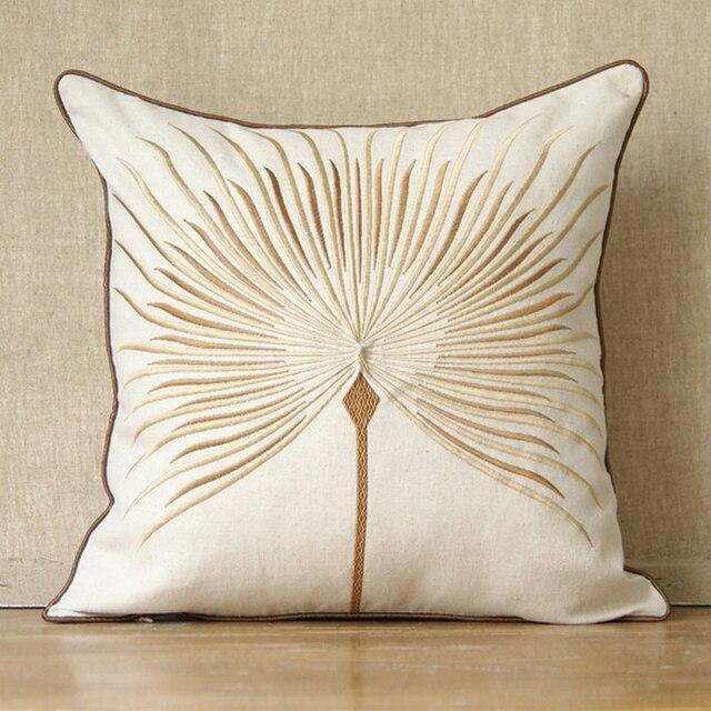 Как украсить подушку вышивкой
