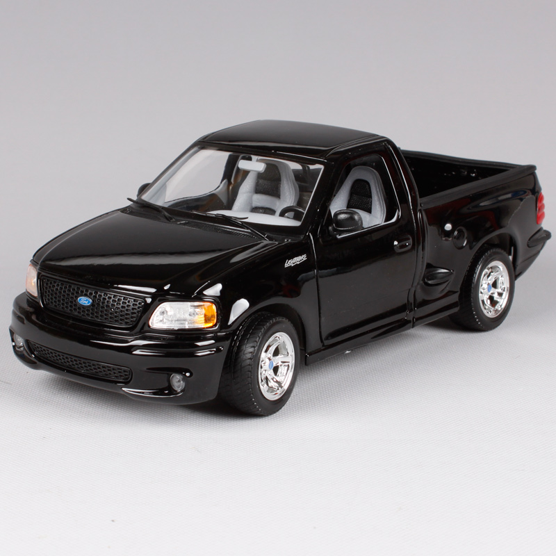 maisto 1:21 ford svt f 150 lightning pickup truck diecast model car