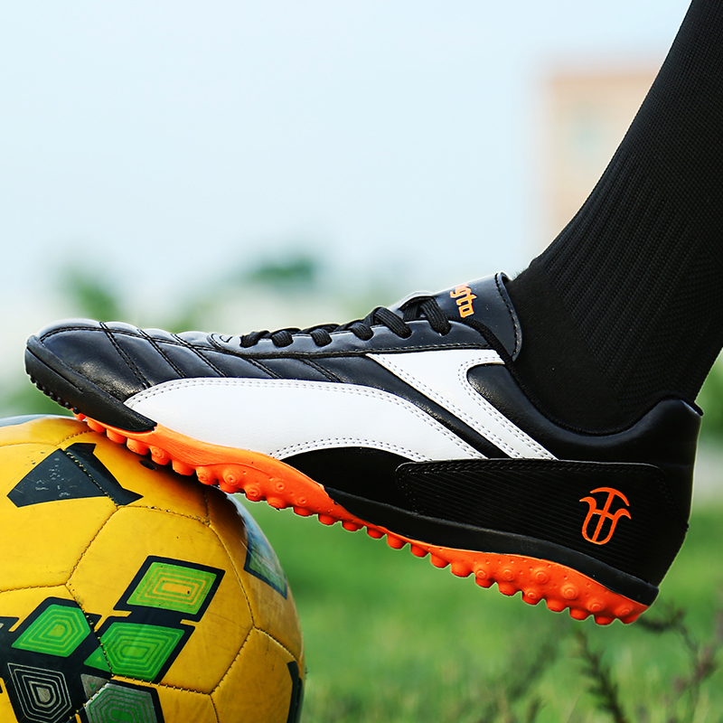 b42ee05c3 Aliexpress.com : Buy Men Turf Soccer Shoes Sleats Lace Up Summer Male Sport  Futzalki Original Superfly Futsal Professional Leather Football Boots from  ...