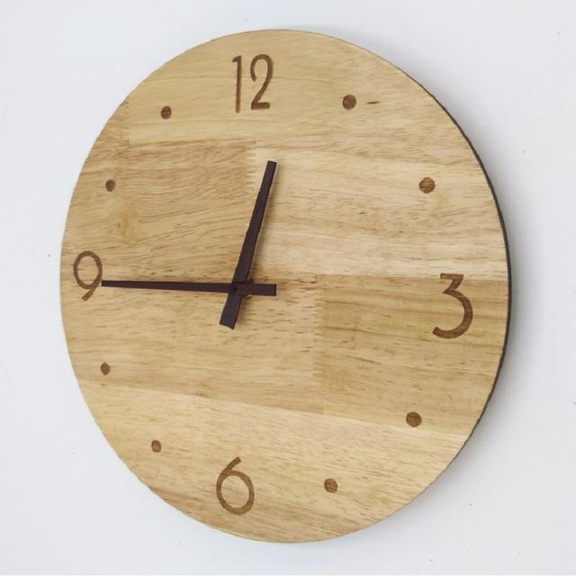 Meijswxj Wooden Wall Clock Saat  Reloj Clock Living Room Bedroom Mute Solid wood watches Relogio de parede Digital wall clocks