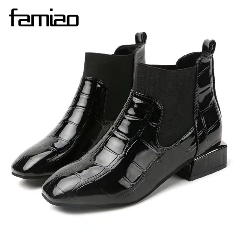 FAMIAO  Ladies Ankle Motorcycle 2017 Crocodile Pattern Pointed Toe Martin Boots Belt Buckle Women Shoes med heel spring boots hot women winter snow ladies low heel ankle belt buckle martin boots shoes kh 39 17mar09