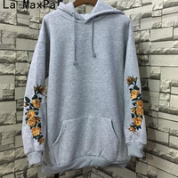 LA MAXPA American Apparel Hooeded Sweatshirt Women Elegant Embroidery Flowers Long Sleeved Pullover Fashion High Quality