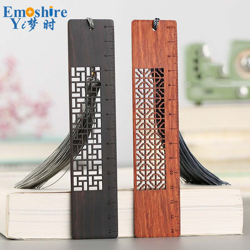 Creative Arts and Crafts Set of Retro Classic Bookmarks Chinese Red Woody Bookmarks Ancient Hollow Gift Custom Lettering M091 retro tinplate metal motocross models collection classic handmade arts and crafts dirt bike model
