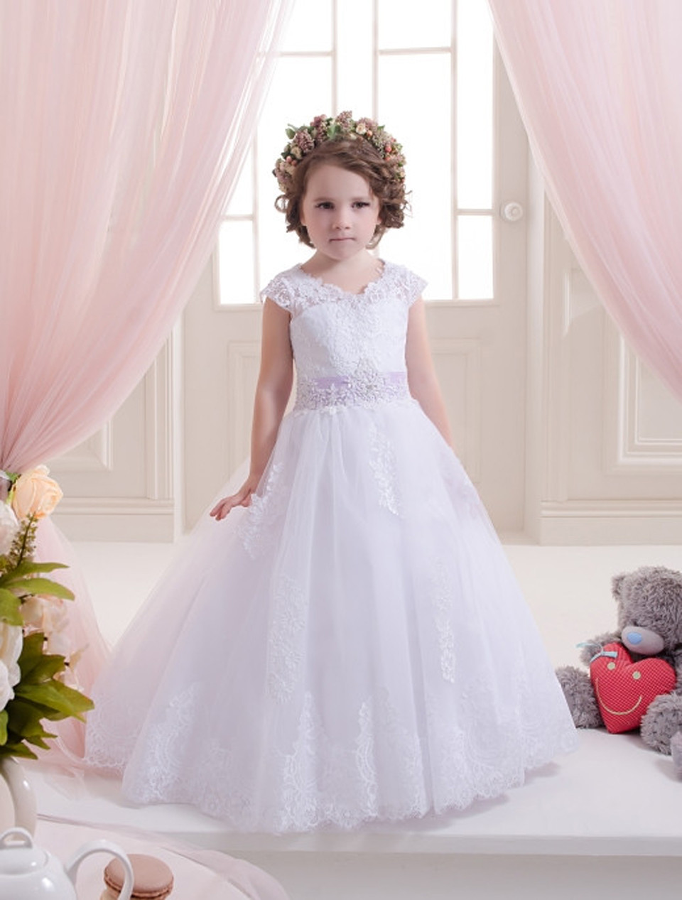 Gorgeous Girls First Communion Dress Ball Gown White Lace Up O-Neck Flower Girl Dress Short Sleeves Robe Fille Pageant Dresses lovely pink ball gown short flower girl dresses 2018 beaded pearls first communion dresses for girls pageant dress