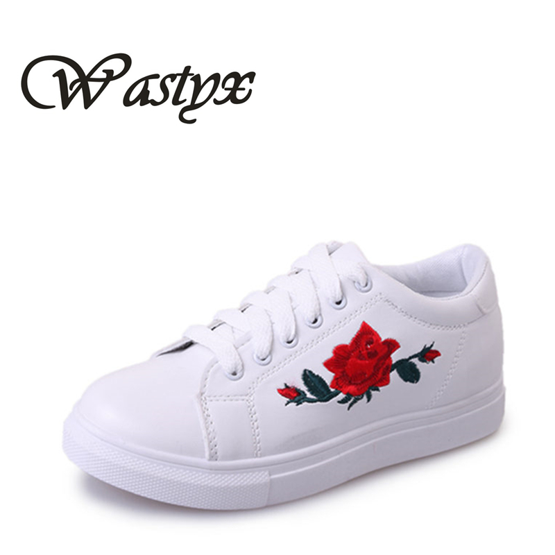 2017 New Ladies Casual Shoes Breathable White Women's Shoes Fashion Female Flat Heel Casual Girl Shoes lace up zapatos mujer