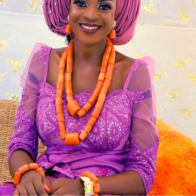 Più nuovo Dudo Dei Monili Africani Set di Gioielli Da Sposa Arancione Originale Branelli di Corallo Dei Monili Set Per Nigeriano Matrimoni Donne Libera La Nave