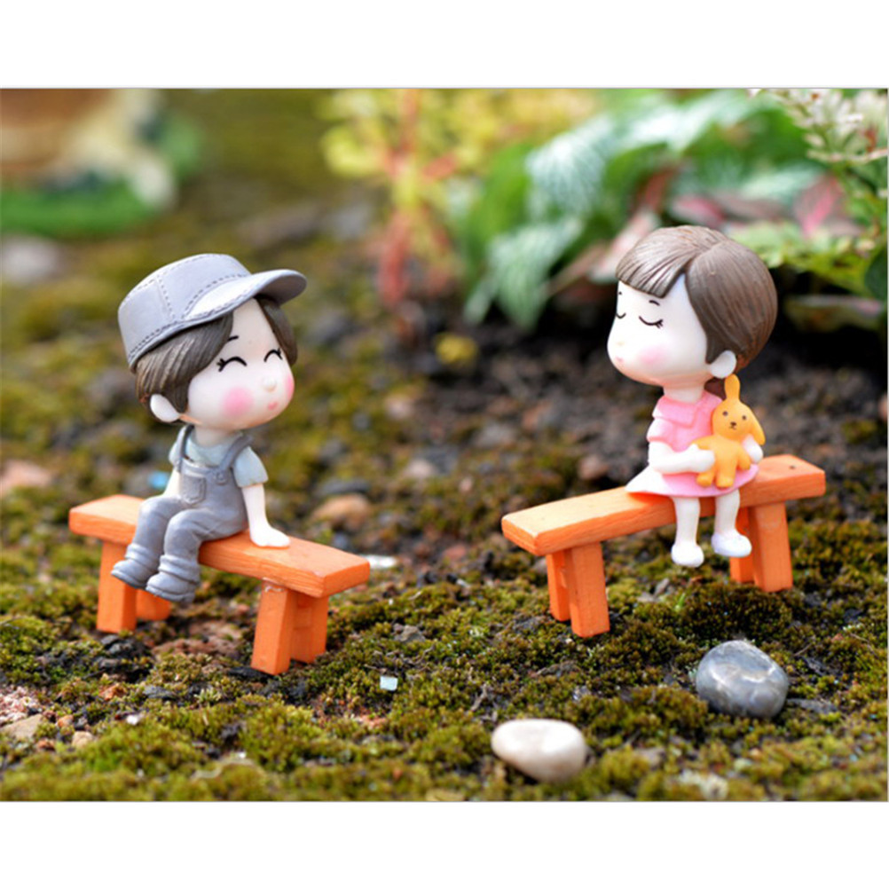 Gnome In Garden: 1Set Fairy Garden Sweety Lovers Couple Chair Figurines
