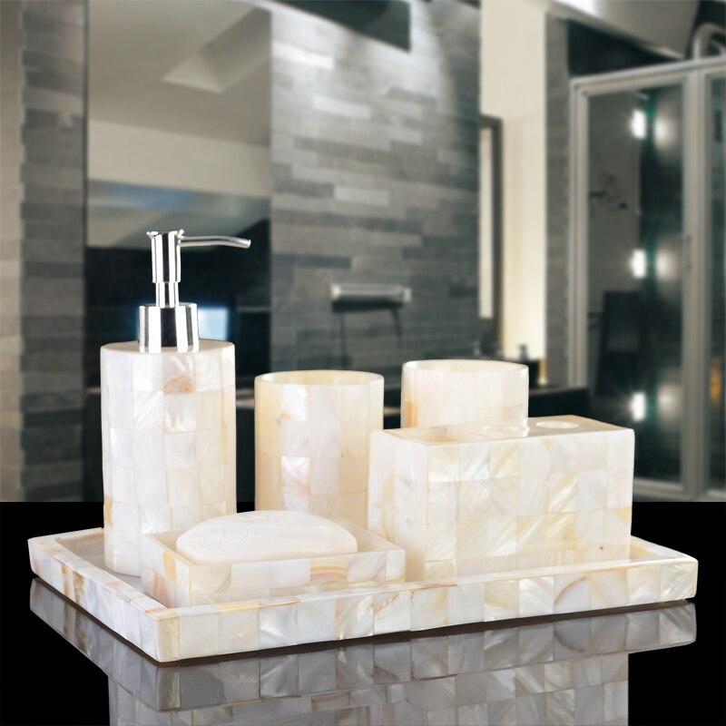 Banheiro حامل تجعل الحياة غسل الحمام مجموعة البدلة الأوروبية المتوسطية خمسة  قطعة صينية مع الراقية مستلزمات