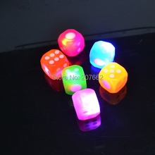 Free shipping 12pcs/lot rubber multicolor led flashing bouncy dice Flashing LED Dice Novelty for Lover Bachelor Party