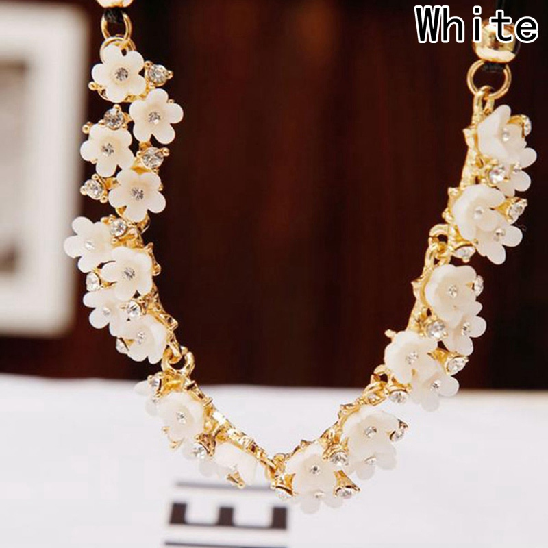 New Vintage Fine Jewelry Simple Daisy Rhinestone Flower Leather Cord Statement Necklace For Women