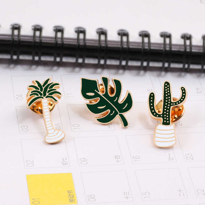 Fashion Simple Cartoon Green Plants Enamel Pin Palm Leaf Coconut Tree Cactus Metal Brooch Pins Denim Badge Brooches Gift
