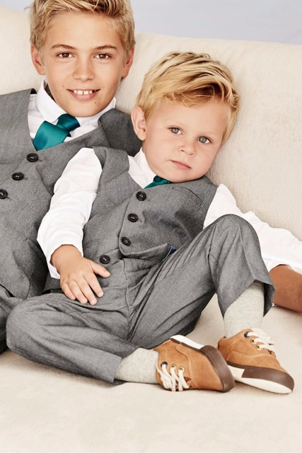 2016 Hot Sale Cute Boys Beach Wedding Attire Children Groom Tuxedos Kid Pageant Suits Custom Made