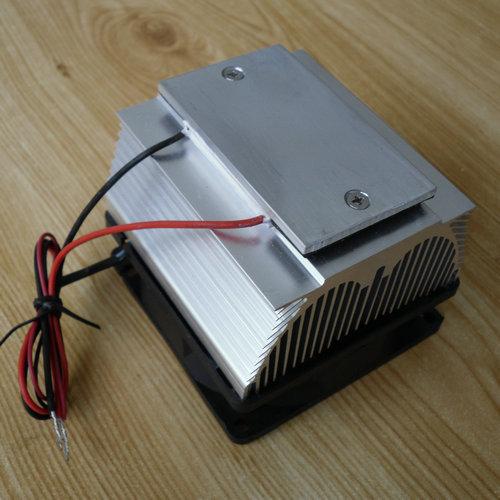 Prix pour De refroidissement! DIY Peltier Air conditionné et réfrigération plaque TEC12706AJ 12 V ventilateur De Refroidissement