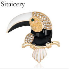 Sitaicery Rhinestone Enamel Toucan Woodpecker Brooches Corsage Gold-color Women Men Crystal Suit Lapel Pins Bird Animal Brooch crystal enamel green gecko brooches lizard brooch pins animal corsage chameleon scarf buckle